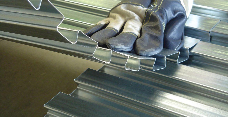 Lewis Plate dovetailed metal decking